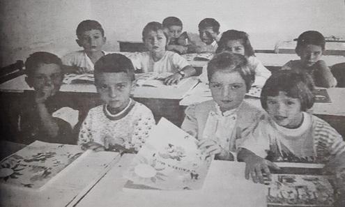Τριάντα χρόνια από τον έντονο αγώνα για το άνοιγμα των ελληνικών σχολείων